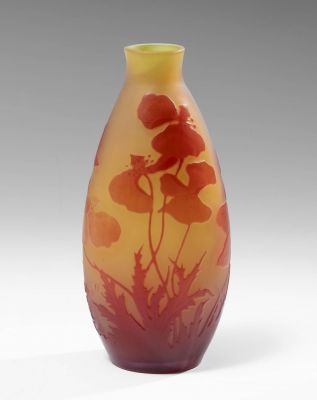 ÉMILE GALLÉ (Nancy, France, 1846 - 1904).Cameo glass vase.