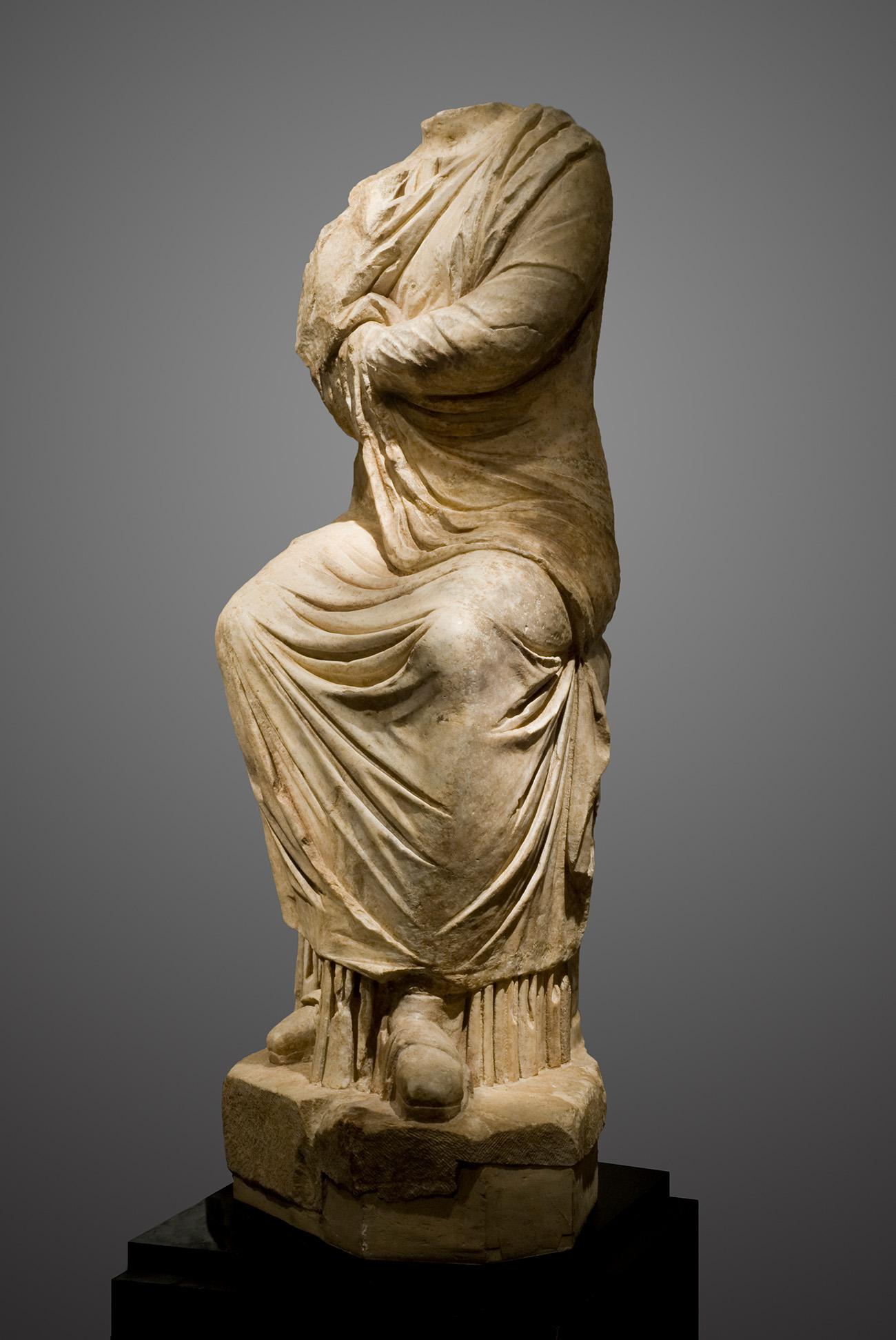 Escultura togada monumental.