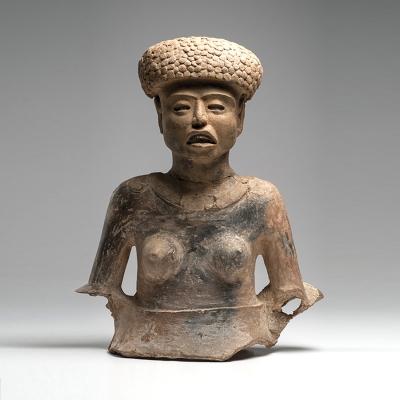 Busto femenino.Busto femenino