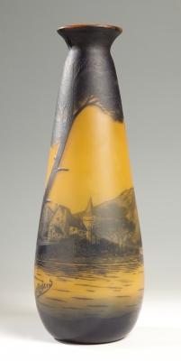Jarrón Art Nouveau de la CRISTALERÍA DE RICHARD; Francia, hacia 1905.Vidrio camafeo al ácido.
