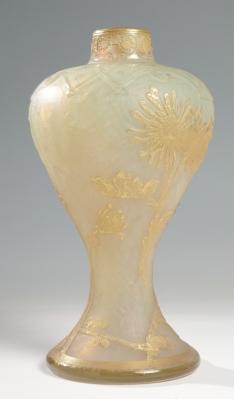 """Jarrón Art Déco """"Dalias"""" de DAUM; Francia, hacia 1925. Pieza original de época."""