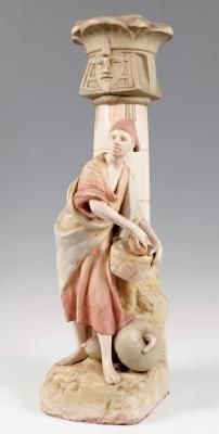 "Figura Art Nouveau de ROYAL DUX; Bohemia, hacia 1908.""Egipcio""."