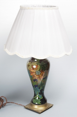 Lámpara, segunda mitad del siglo XX.Cerámica y metal.