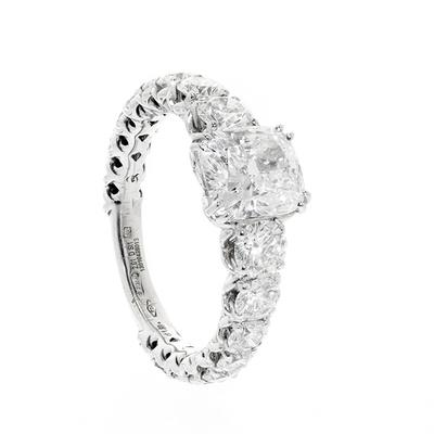 CRIVELLI GIOIELLI solitaire ring in 18 kt white gold. With natural diamond, cushion cut, excellent polish, D color, SI1 clarity and weight ca.