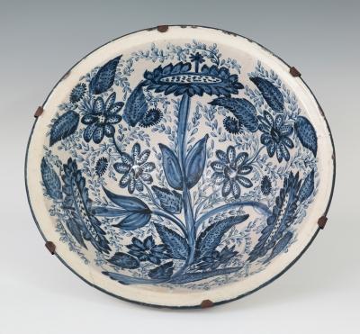 Fuente de cerámica catalana del s.