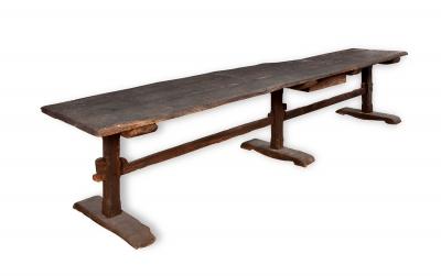 Gran mesa de estilo gótico, siglo XVIi-XVIII.