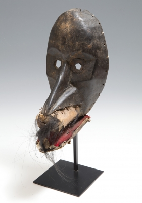 Máscara del pueblo Dan; Costa de Marfil-Liberia, 1900-1925.