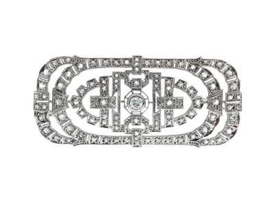 Broche-plaqueta Art Decó tardío en platino.
