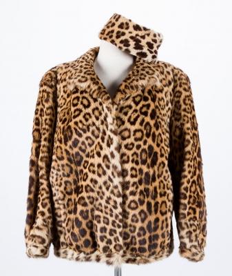 Chaquetón de leopardo y gorro diseñados por Marta Pastor.