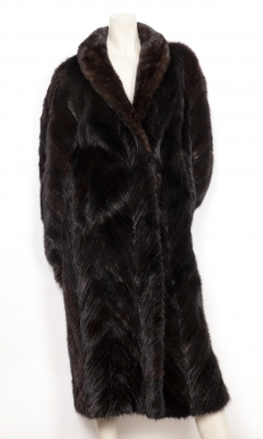 Abrigo largo de piel de visón.