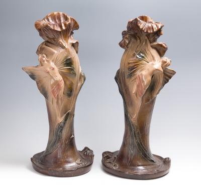 Pareja de jarrones Art Nouveau; Francia, hacia 1900.