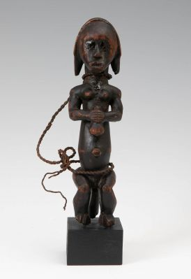 Figure Fang, Gabon, first half of the 20th century.In carved wood.