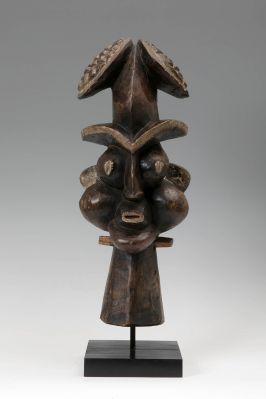 Bamum Headcreast (Tungunga mask), Cameroon (Ngambe-Tikar), Grassland, first half of the 20th century.In carved wood.