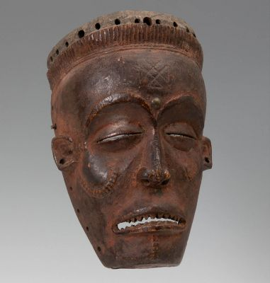 Tchokwe mask, Pwo. Democratic Republic of the Congo (Angola), first half of the 20th century.