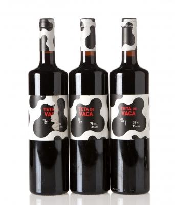 Tres botellas de Teta de Vaca 2009.