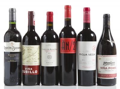 Selección de seis vinos españoles.