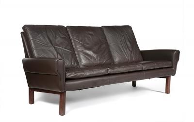 Sofá de diseño nórdico, años 60-70. Madera y piel