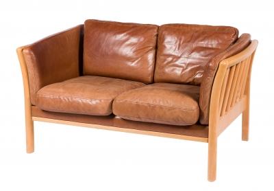 Sofá de diseño danés, años 70. Madera y piel