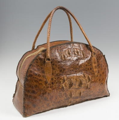 Bolso vintage en piel de cocodrilo. Con un diseño simple