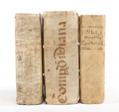 Tres libros editados entre los siglos XVI y XVII.