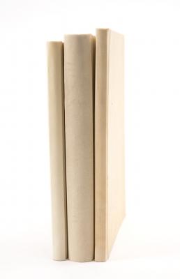 Tres antiguos libros científicos en edición facsímil.