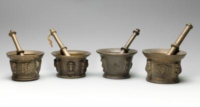 Conjunto de cuatro morteros de finales del siglo XVIII-