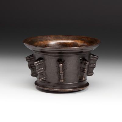 Mortero del siglo XVI. Bronce