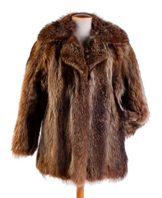 Abrigo en piel de lobo.Abrigo en piel de lobo