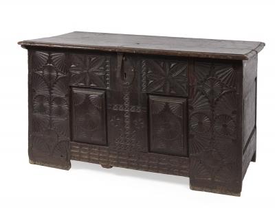Arca española, siglos XVII-XVIII. Madera de roble