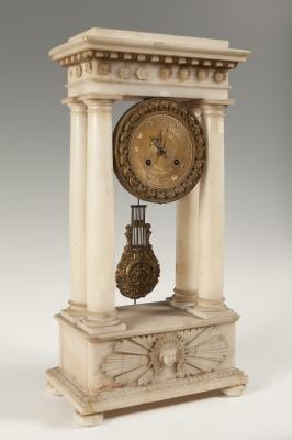 Reloj de estilo Imperio y época Napoleón III; Francia,
