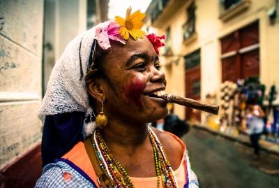 BEERMAN, Max . Smiling Habanera (Havana, Cuba 2015)