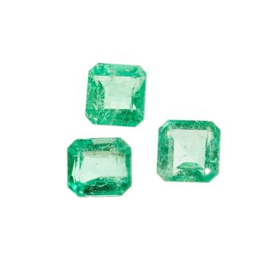 Lote de tres berilos naturales variedad esmeraldas natu