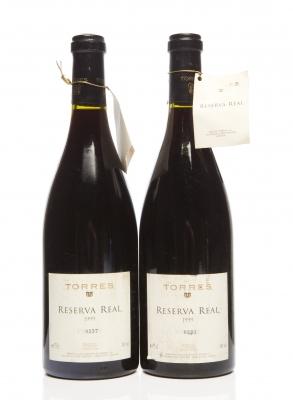 Dos botellas de Torres Reserva Real 1999.