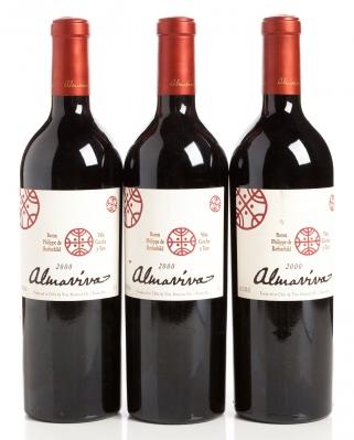 Tres botellas de Almaviva, cosecha del 2000.