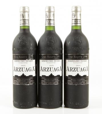 Tres botellas de Arzuaga Gran Reserva 1996.