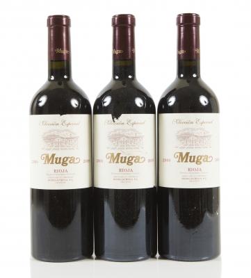 Tres botellas de Muga Reserva Selección Especial 2009.