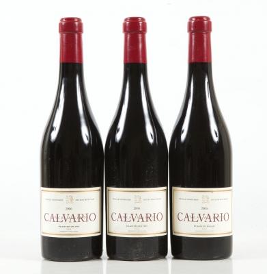 Tres botellas de Finca Allende Calvario 2006.