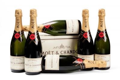 Seis botellas de Moët & Chandon Brut Impérial.