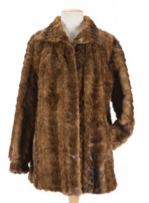 Abrigo de retales de piel de visón.Forro en seda.
