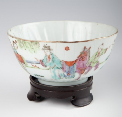 Cuenco de estilo Familia Verde; China, siglo XIX.