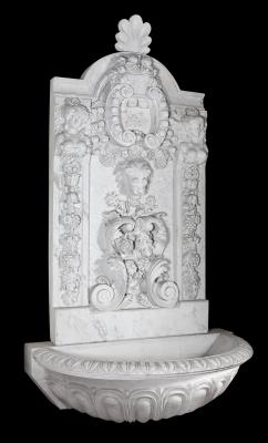 Fuente moderna de estilo romano. Mármol blanco