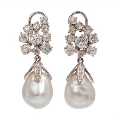 Par pendientes en oro, diamantes y perla australiana