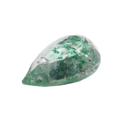 Esmeralda natural, talla pera, en color verde claro tra