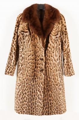Abrigo de leopardo con cuello de visón TAPBIOLES Y PIRR