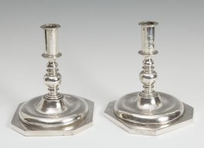 Pareja de candelabros, siglo XVI.Plata.