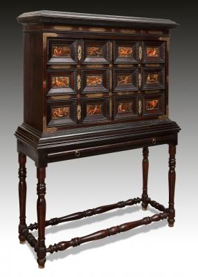 Bargueño italiano de finales del siglo XVII. Estructura en madera