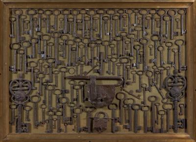 Colección de llaves y candados.