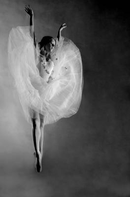 DMITRY SAVCHENKO (Rusia, 1970). Flying Angel
