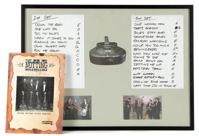 THE NOTTING HILLBILLIES.Doble setlist manuscrito de un concierto de la banda británica The Notting Hillbillies, posiblemente correspondiente a su primer tour por Gran Bretaña en el año 1990, año que coincide con el de su formación.