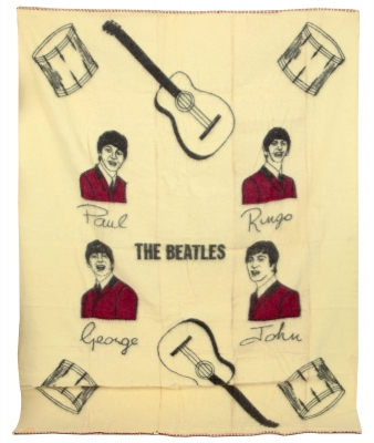 THE BEATLES.Manta del emblemático grupo inglés The Beatles, original de 1964.